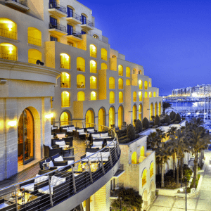 Malte-Hilton-300x300